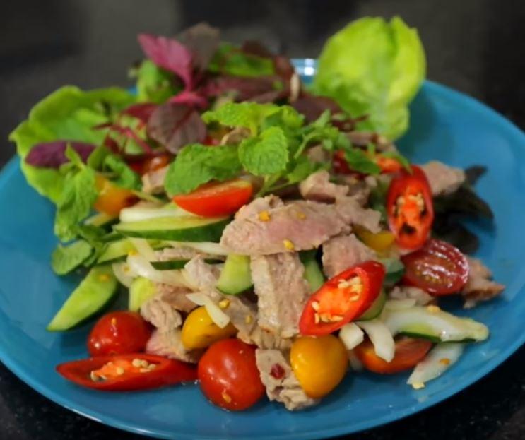 Salada Thai de Vaca