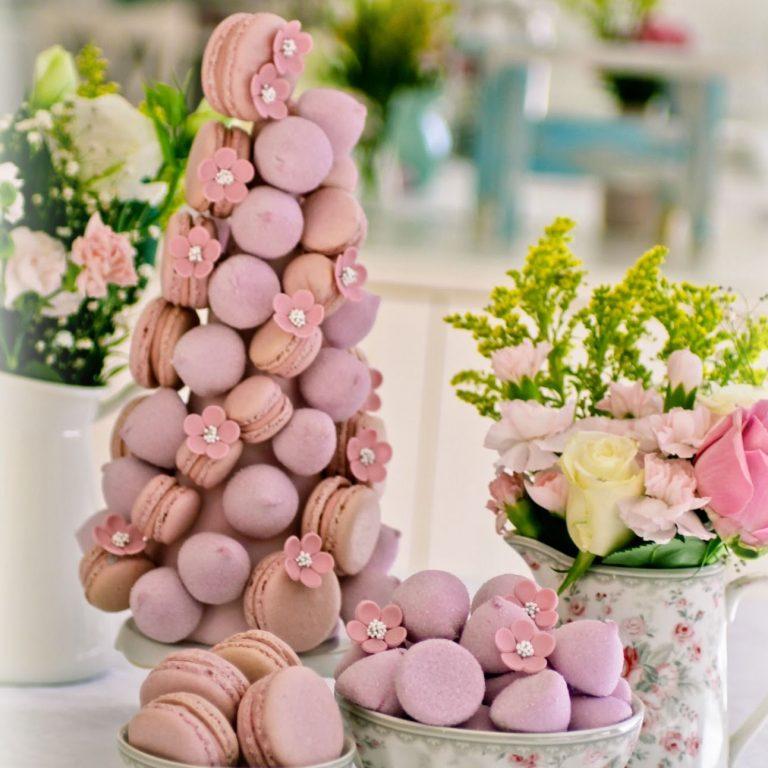 Torre de Macarons com Marshmallows