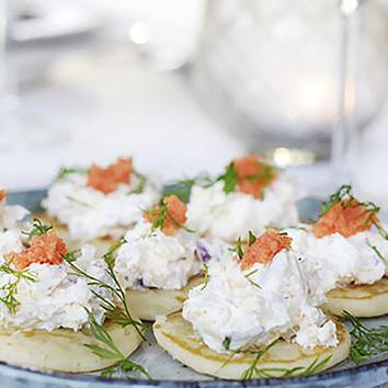 Blinis com Arenque e Caviar