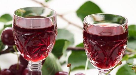 Receita de Licor de cereja caseiro